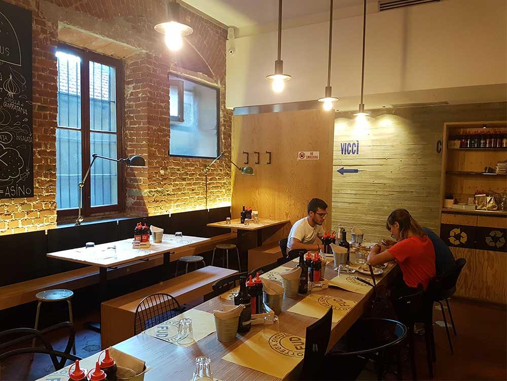 Fud burger restaurant Milan - inside