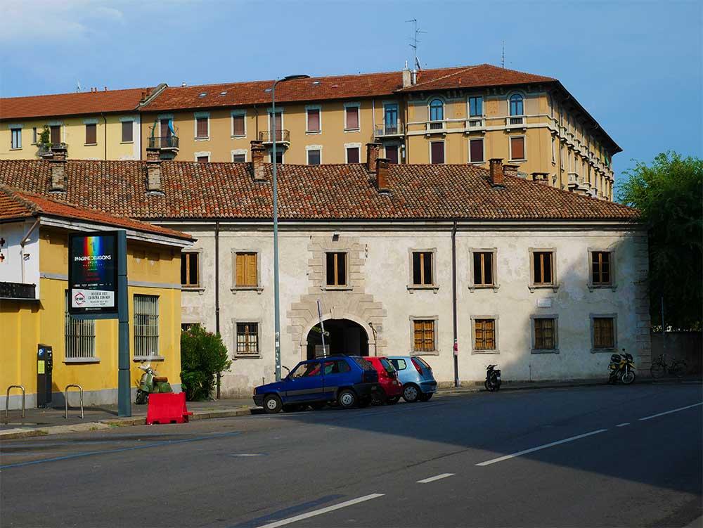 Un posto a Milano, Milan restaurant